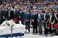 Potenza (PZ), 02-07-2011 ITALY -  Funerali di Elisa Claps. Migliaia di persone hanno accolto l'arrivo in piazza Don Bosco della bara di Elisa Claps, portata sulla spalle anche da alcune persone dell'associazione &quot;Libera&quot;. <br /> Foto Giovanni Marino/Getty Images