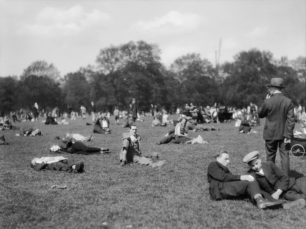 Heatwave, Bank Holiday, Hyde Park, London, England, 1929
