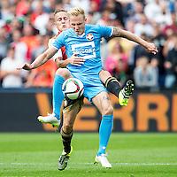 ROTTERDAM - Feyenoord - Willem II , Voetbal , Seizoen 2015/2016 , Eredivisie , Stadion de Kuip , 13-09-2015 , Speler van Feyenoord Jens Toornstra (l) in duel met Willem II speler Nick van der Velden (r)
