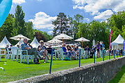 """Henley on Thames, United Kingdom, 22nd June 2018, Friday,   """"Henley Women's Regatta"""",  view, Spectators and Members, relax on Remenham Club Lawn, Henley Reach, River Thames, England, © Peter SPURRIER/Alamy Live News"""