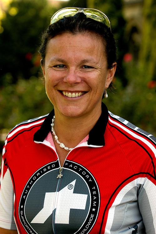 Dr. Fiona Wood - Perth 12 02 05..Photo - David Dare Parker