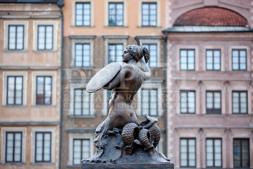 Sawa monument in the main square of old town in Warsaw, Poland..Wednesday 12 May 2010.Photograph Richard Robinson © 2010.