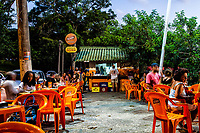 Bar e restaurante na Praia de Santo Antonio de Lisboa. Florianópolis, Santa Catarina, Brasil. / Bar and restaurant at Santo Antonio de Lisboa Beach. Florianopolis, Santa Catarina, Brazil.
