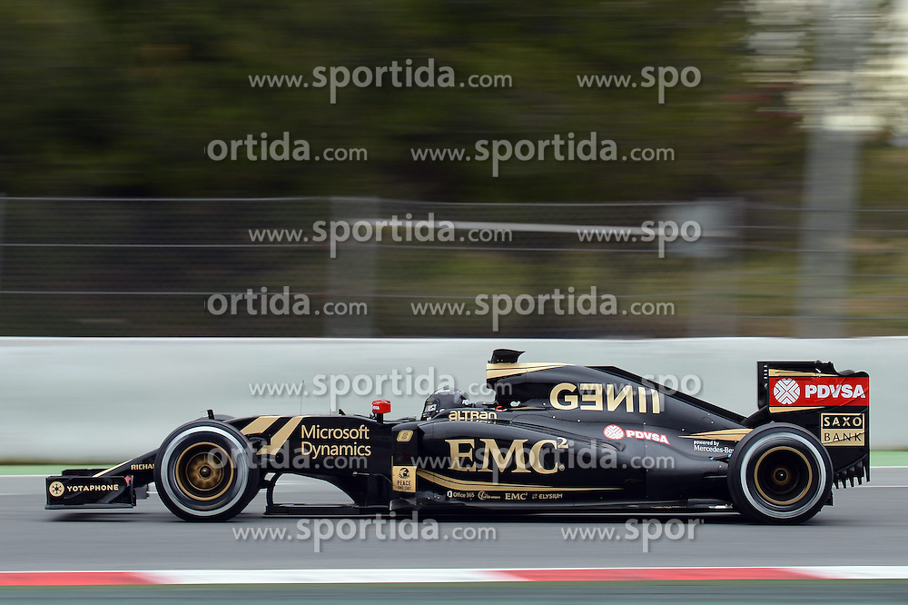 26.02.2015, Circuit de Catalunya, Barcelona, ESP, FIA, Formel 1, Testfahrten, Barcelona, Tag 1, im Bild Romain Grosjean (FRA) Lotus E23 Hybrid // during the Formula One Testdrives, day one at the Circuit de Catalunya in Barcelona, Spain on 2015/02/26. EXPA Pictures &copy; 2015, PhotoCredit: EXPA/ Sutton Images/ Patrik Lundin Images<br /> <br /> *****ATTENTION - for AUT, SLO, CRO, SRB, BIH, MAZ only*****