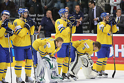 15.04.2011, Orange Arena, Bratislava, SVK, IIHF 2011 World Championship, Finale, SWEDEN vs FINLAND, im Bild .TEAM SWEADEN.... EXPA Pictures © 2011, PhotoCredit: EXPA/ EXPA/ Newspix/ .Tadeusz Bacal +++++ ATTENTION - FOR AUSTRIA/(AUT), SLOVENIA/(SLO), SERBIA/(SRB), CROATIA/(CRO), SWISS/(SUI) and SWEDEN/(SWE) CLIENT ONLY +++++