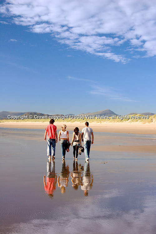 Harlech beach (towards Snowdonia)<br /> Summer<br /> North<br /> Walking / beachcombing<br /> Activities &amp; sports