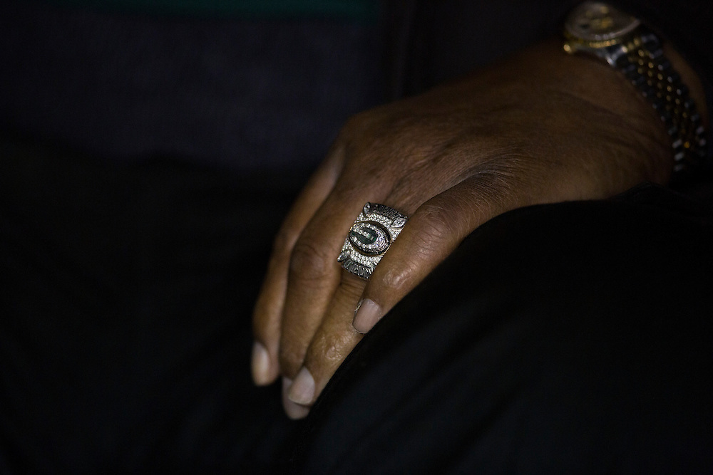 GREEN BAY, WI - December 9: The hand of Willie Davis.  NFL Hall of Fame member and former Green Bay Packer Willie Davis with the Packers Super Bowl XLV ring as he waits to be introduced before the start of the Detroit Lions v Green Bay Packers game at Lambeau Field on December 9, 2012 in Green Bay, Wisconsin.  (Photo by Tom Lynn /Getty Images) *** Local Caption ***Aaron Rodgers