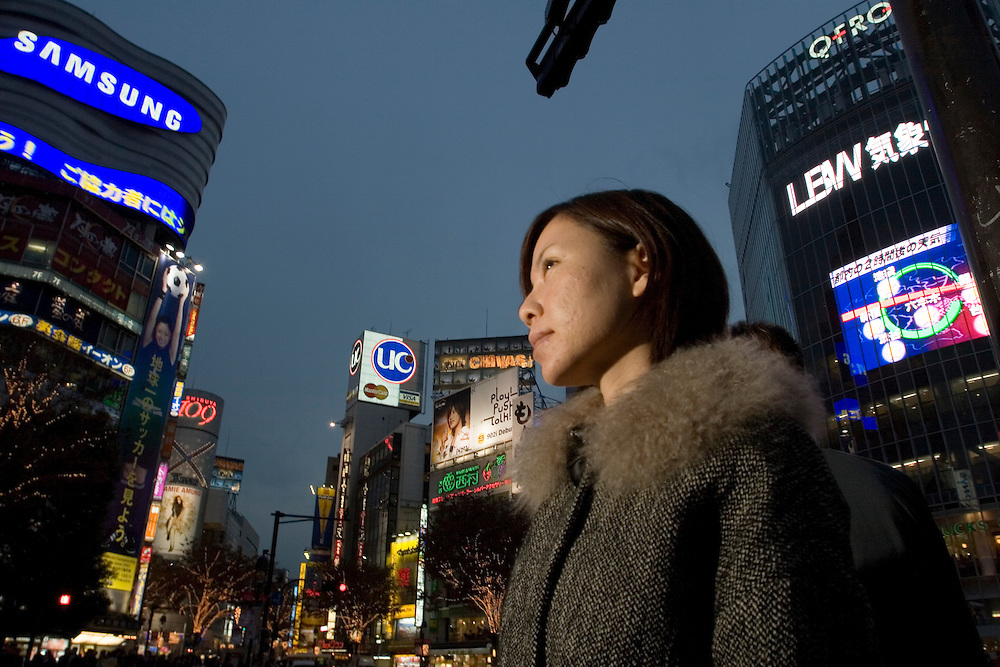 sex volunteers-Satomi, 32, a web designer from Tokyo, went to the sex volunteers to lose her virginity. Satomi was in a relationship with a musician for seven years but could not have intercourse with her boyfriend. The couple broke up due to the sexual tensions. Satomi thought there was something wrong with her, so sought counselling with Kim and lost her virginity to a volunteer.