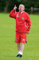 WREXHAM, WALES - Monday, August 18, 2008: Wales' Under-21 manager Brian Flynn during training at Colliers Park ahead of their UEFA European U21 Championship Group 10 Qualifying match against Romania. (Photo by David Rawcliffe/Propaganda)