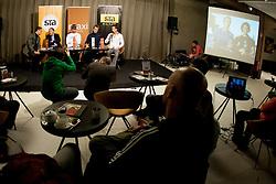 STA Maxi sportni klub, v katerem so govorilo o preboju teniskih igralvec v TOP 100. Dne 20, Novembra 2012 v Maksimarketu, Ljubljana, Slovenija. (foto Urban Urbanc / sportida)