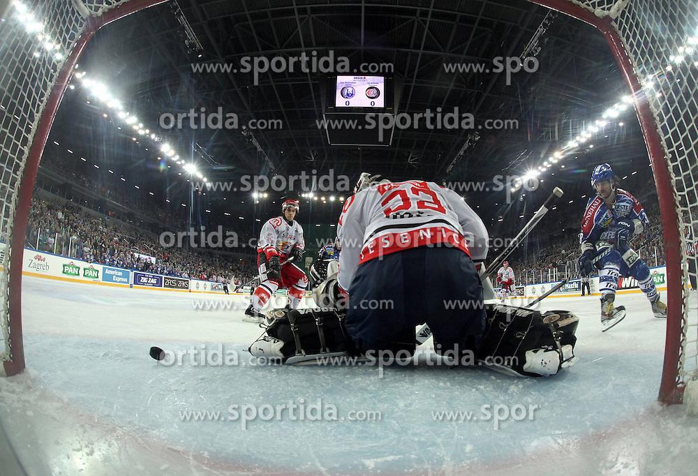 08.01.2012, Arena Zagreb, Zagreb, CRO, EBEL, KHL Medvescak Zagreb vs HK Acroni Jesenice, im Bild Features aus der Halle in Zagreb, Übersicht Spielszene aus dem Tor mit Netcam during ice-hockey match between KHL Medvescak Zagreb and HK Acroni Jesenice in 39th Round of EBEL league, on Januar 8, 2012 at Arena Zagreb, Zagreb, Croatia. EXPA Pictures © 2012, PhotoCredit: EXPA/ NPH/ Pixsell/ Goran Jakus..***** ATTENTION - OUT OF GER, CRO *****