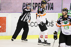 14.10.2016, Hala Tivoli, Ljubljana, SLO, EBEL, HDD Olimpija Ljubljana vs Moser Medical Graz 99ers, 9. Runde, im Bild Linesman Natasa Pagon, Daniel Woger (Graz 99ers) // during the Erste Bank Icehockey League 9th round match between HC Orli Znojmo and Moser Medical Graz 99ers at the Hala Tivoli in Ljubljana, Slovenia on 2016/10/14. EXPA Pictures &copy; 2016, PhotoCredit: EXPA/ Sportida/ Vid Ponikvar<br /> <br /> *****ATTENTION - OUT of SLO, FRA*****