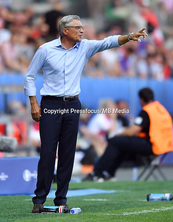 2016.06.25 Saint-Etienne<br /> Pilka nozna Euro 2016<br /> mecz 1/8 finalu Szwajcaria - Polska<br /> N/z Adam Nawalka trener head coach<br /> Foto Lukasz Laskowski / PressFocus<br /> <br /> 2016.06.25<br /> Football UEFA Euro 2016 <br /> Round of 16 game between Switzerland and Poland<br /> Adam Nawalka trener head coach<br /> Credit: Lukasz Laskowski / PressFocus