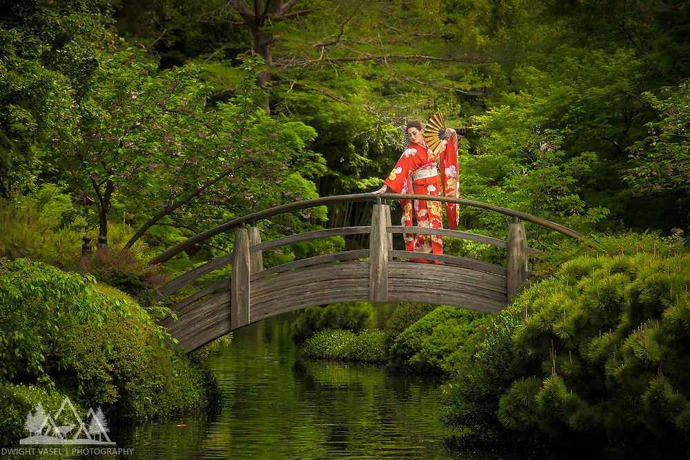 Kristi wearing her family heir loom Kimono.  Images captured at the Ft Worth Japanese Garden