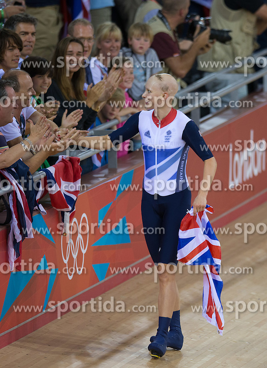 03.08.2012, Velodrome, London, GBR, Olympia 2012, Radsport, Bahn, Team Verfolgung, Damen, im Bild Joanna Rowsell (GBR) jubelt // Joanna Rowsell (GBR)  celebrate during Cycling Track, Women Team Pursuit at the 2012 Summer Olympics at Velodrome, London, United Kingdom on 2012/08/03. EXPA Pictures © 2012, PhotoCredit: EXPA/ Johann Groder