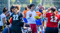 BLOEMENDAAL   -  coach Lennard Poillot (Vict)  tijdens oefenwedstrijd dames Bloemendaal-Victoria, te voorbereiding seizoen 2020-2021.   COPYRIGHT KOEN SUYK