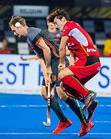 BHUBANESWAR, INDIA -  Mirco Pruyser (Ned) met Arthur van Doren (Belgie) tijdens de  finale tussen België en Nederland bij het WK Hockey heren in het Kalinga Stadion. COPYRIGHT KOEN SUYK