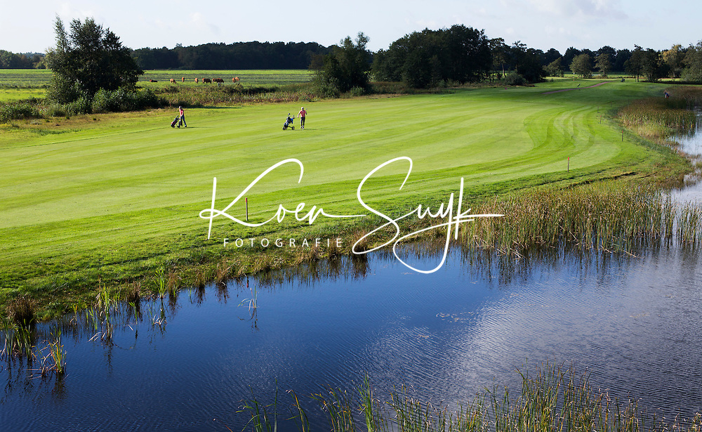 BEETSTERZWAAG -   Hole 5 . Golf & Country Club Lauswolt .   Copyright Koen Suyk