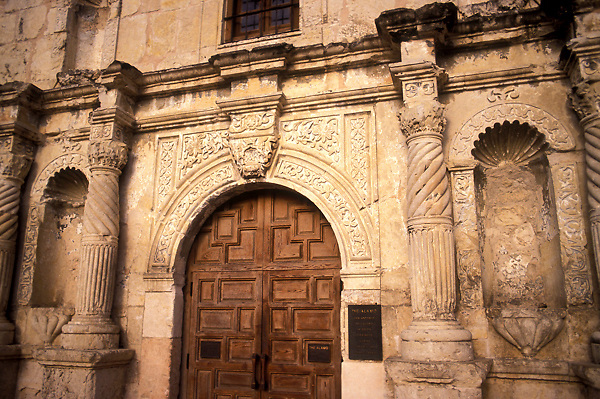 Front doors of the Alamo