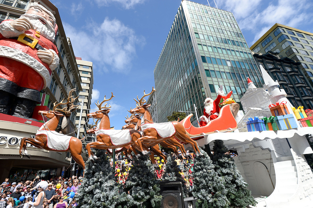 Auckland Farmers Santa Parade. Queen St, Auckland. 25 November 2012.
