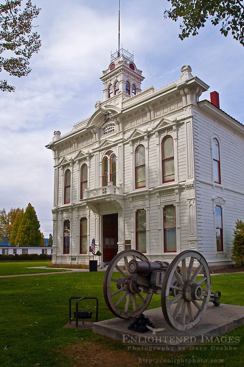Mono County Courthouse (c. 1880), Bridgeport, California