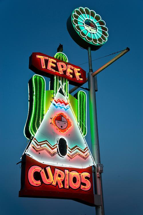 Vintage Route 66 neon.
