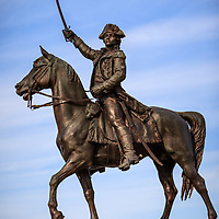 Chicago statue of Tadeusz Kosciuszko riding a horse and holding a sword. Tadeusz Ko?ciuszko was an American general of polish descent.