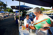 Belo Horizonte_MG, Brasil.. .Barraca de comida mexicana na feira da avenida Atlantida no bairro Castelo em Belo Horizonte, Minas Gerais...Mexican food at the fair on Atlantic Avenue in Castelo avenue in Belo Horizonte, Minas Gerais...Foto: NIDIN SANCHES / NITRO