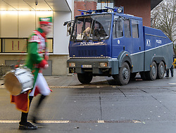 23.02.2017, Koeln, GER, Karneval, Weiberfastnacht, im Bild Wasserwerfer hinter dem Dom // during Women's Night of Cologne Carnival 2017. Koeln, Germany on 2017/02/23. EXPA Pictures © 2017, PhotoCredit: EXPA/ Eibner-Pressefoto/ Schueler<br /> <br /> *****ATTENTION - OUT of GER*****