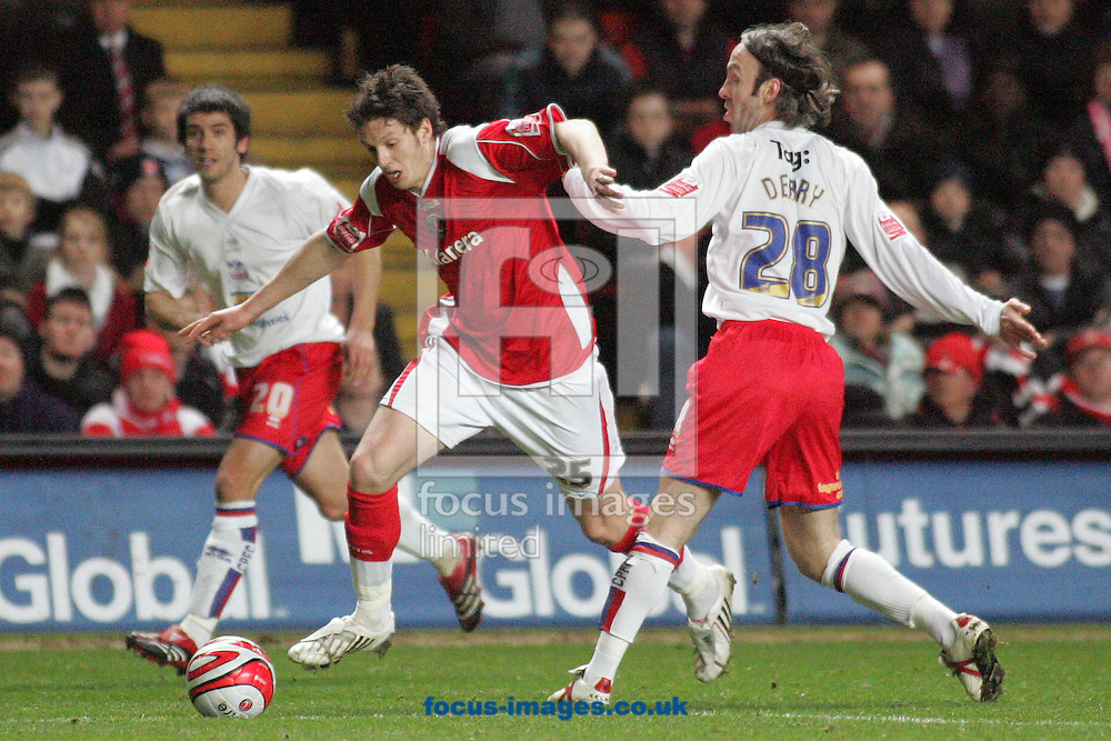 London - Friday, February 8th, 2008: Greg Halford (L) of Charlton Athletic and Shuan Derry (R) of Crystal Palace during the Coca Cola Championship match at The Valley, London. (Pic by Mark Chapman/Focus Images)