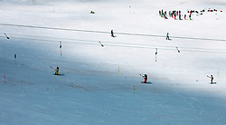 THEMENBILD - Sommerskibetrieb am Kitzsteinhorn im Juli, aufgenommen am 01. Juli 2019, Kaprun, Österreich // Summer skiing on the Kitzsteinhorn in July on 2019/07/01, Kaprun, Austria. EXPA Pictures © 2019, PhotoCredit: EXPA/ Stefanie Oberhauser
