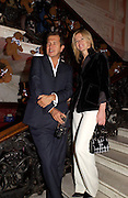 Lady Helen Windsor and Mario Testino, Launch of 'Kids' by Mario Testino in aid of the Sargent Cancer Care For children, Dartmouth House, 20 October 2003. © Copyright Photograph by Dafydd Jones 66 Stockwell Park Rd. London SW9 0DA Tel 020 7733 0108 www.dafjones.com