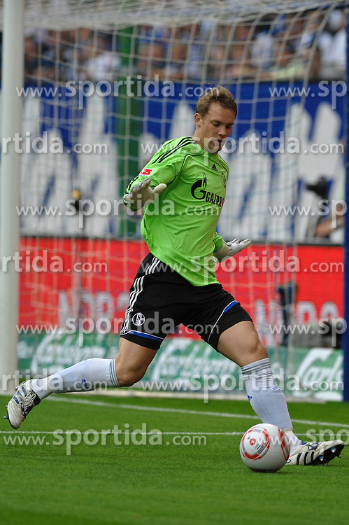 21.08.2010, Imtech Arena, Hamburg, GER, 1.FBL, Hamburger SV vs Schalke 04, im Bild Einzelaktion Torhueter Manuel Neuer (Schalke #01) EXPA Pictures © 2010, PhotoCredit: EXPA/ nph/  Witke+++++ ATTENTION - OUT OF GER +++++ / SPORTIDA PHOTO AGENCY