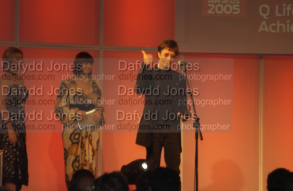 Charlotte Church and Robin Gibb. The Q Awards, the  magazine's annual music awards,  Grosvenor House. October 10 2005. ONE TIME USE ONLY - DO NOT ARCHIVE © Copyright Photograph by Dafydd Jones 66 Stockwell Park Rd. London SW9 0DA Tel 020 7733 0108 www.dafjones.com