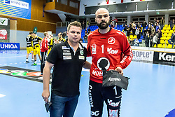 10.12.2017, BSFZ Suedstadt, Maria Enzersdorf, AUT, HLA, SG INSIGNIS Handball WESTWIEN vs Bregenz Handball, Hauptrunde, 16. Runde, im Bild Geschäftsführender Manager Conny Wilczynski (SG INSIGNIS Handball WESTWIEN), Goran Aleksic (Bregenz Handball) // during Handball League Austria 16 th round match between SG INSIGNIS Handball WESTWIEN and Bregenz Handball at the BSFZ Suedstadt, Maria Enzersdorf, Austria on 2017/12/10, EXPA Pictures © 2017, PhotoCredit: EXPA/ Sebastian Pucher