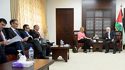20.05.2015, Ramallah, PSE, Außenbeauftragte der Europäischen Union Federica Mogherini in Palästina, im Bild die Außenbeauftragte der Europäischen Union - Federica Mogherini bei ihrem Treffen mit dem Palästinensischen Präsidenten Mahmud Abbas // European Union foreign policy chief Federica Mogherini meets Palestinian President Mahmoud Abbas in the West Bank city of Ramallah, Palestine on 2015/05/20. EXPA Pictures © 2015, PhotoCredit: EXPA/ APAimages/ Osama Falah<br /> <br /> *****ATTENTION - for AUT, GER, SUI, ITA, POL, CRO, SRB only*****
