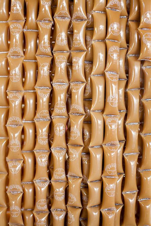 Nepomuceno_MG, Brasil...Doce de leite em um comercio em Nepomuceno...Milk candies on a trade in Nepomuceno...Foto: LEO DRUMOND / NITRO