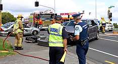 Auckland-Abandoned police pursuit ends in collision, Manurewa