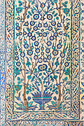 Kutahya and Iznik ceramic 17th Century tiles at Topkapi Palace, Topkapi Sarayi, part of Ottoman Empire, Istanbul, Turkey