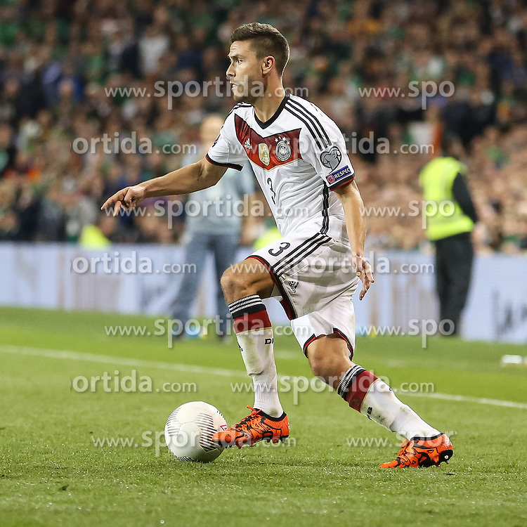 08.10.2015, Avia Stadium, Dublin, IRL, UEFA Euro Qualifikation, Irland vs Deutschland, Gruppe D, im Bild Jonas Hector (1. FC Koeln #3) // during the UEFA EURO 2016 qualifier group D match between Ireland and Germany at the Avia Stadium in Dublin, Ireland on 2015/10/08. EXPA Pictures &copy; 2015, PhotoCredit: EXPA/ Eibner-Pressefoto/ Risto Bozovic<br /> <br /> *****ATTENTION - OUT of GER*****
