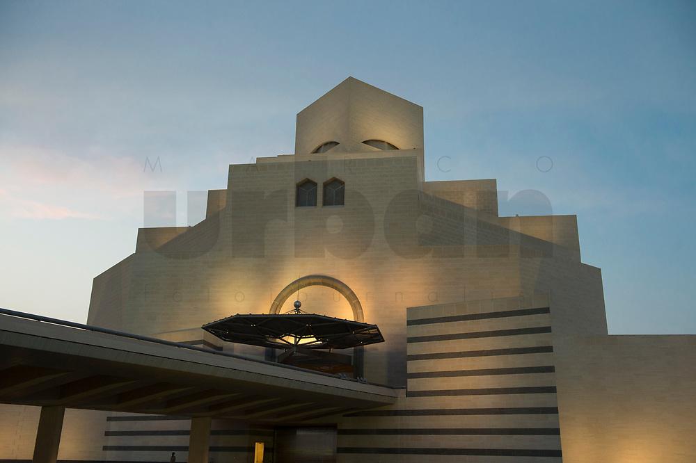10 APR 2013, DOHA/QATAR<br /> Aussenansicht Museum of Islamic Arts, Museum fuer Islamische Kunst, Architekt: Ieoh Ming Pei<br /> IMAGE: 20130410-01-060<br /> KEYWORDS: Katar, moderne Architektur