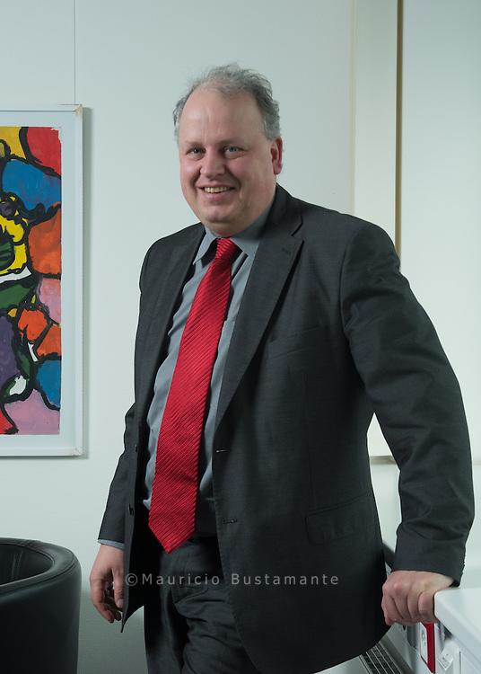 Jan Pörksen (* 1964) ist ein deutscher Politiker der SPD und ein politischer Beamter. Seit 24. März 2011 ist Pörksen Staatsrat der Behörde für Arbeit, Soziales, Familie und Integration der Freien und Hansestadt Hamburg.