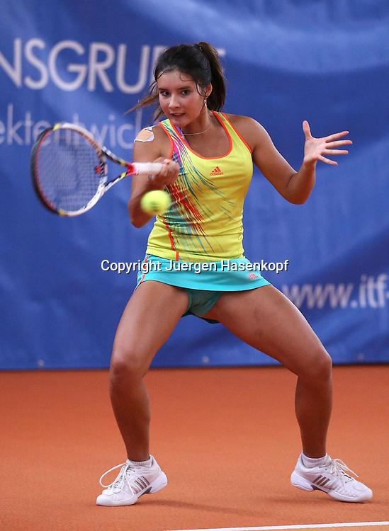 ITF Bueschl  Open 2012, ITF Women's Circuits Damen Hallen Tennis Turnier in Ismaning,.Katharina Lehnert (GER),Aktion,Einzelbild,.Ganzkoerper,Hochformat,
