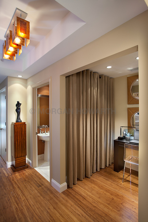 1881 Nash, Arlington, Virginia Turnberry Tower condominiums Hallway foyer entrance archway