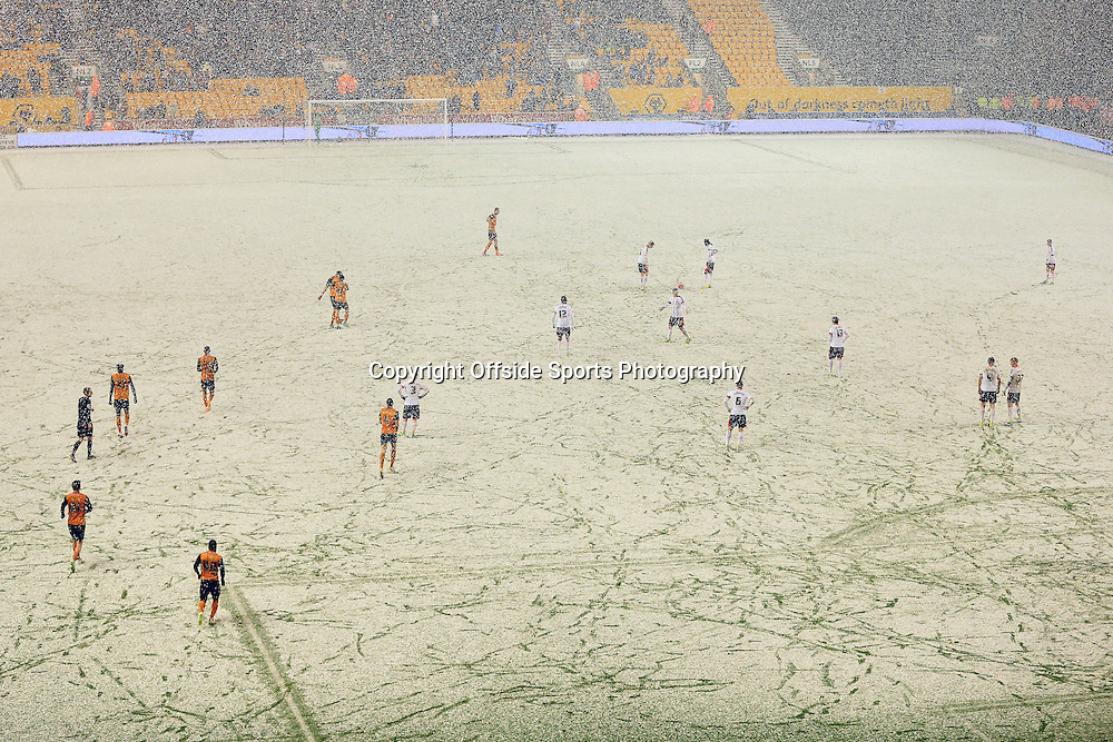 13th January 2015 - FA Cup - 3rd Round Replay - Wolverhampton Wanderers v Fulham - Snow at Molineux - Photo: Simon Stacpoole / Offside.