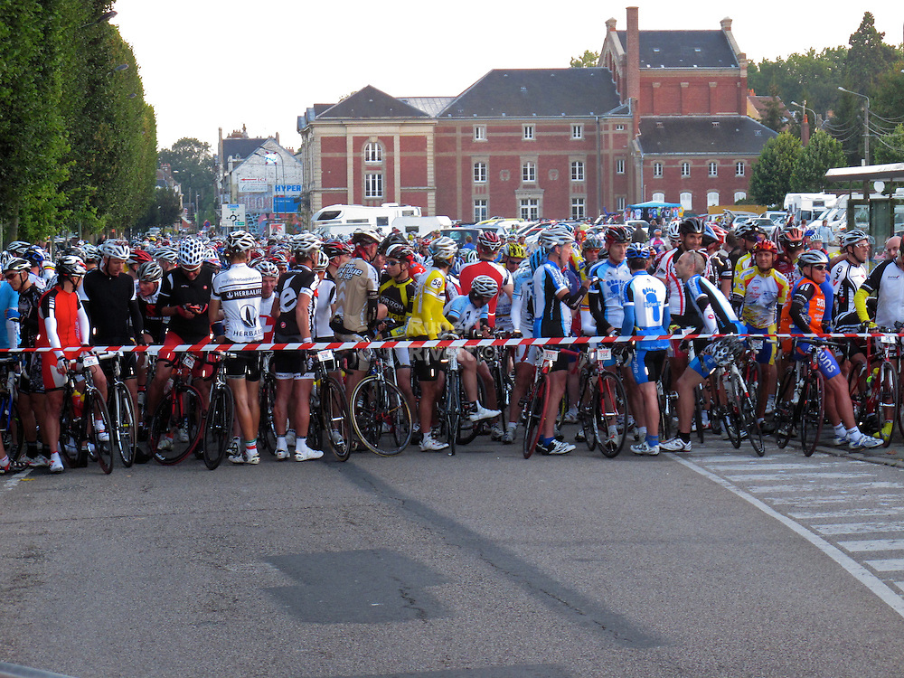 Ronde Picarde Cyclosportive. Photography by Rupert Rivett Brighton based photographer.