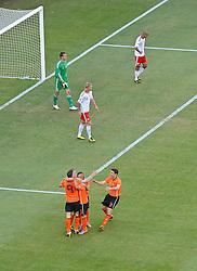 14-06-2010 VOETBAL: FIFA WORLDCUP 2010 NEDERLAND - DENEMARKEN: JOHANNESBURG<br /> Nederland viert de 2-0 van Dirk Kuyt<br /> ©2010-FRH- NPH/  Mark Atkins (Netherlands only)