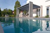 Modern Pool 923