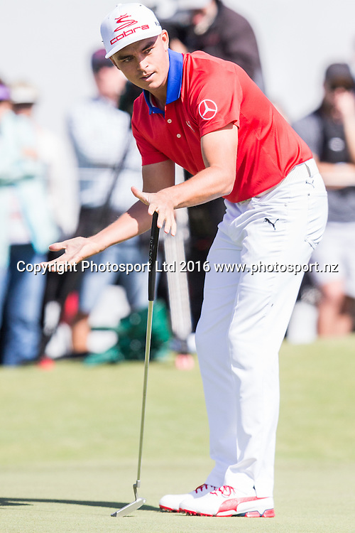 Richie Fowler (USA)  makes an expression after missing a putt during the round 1 of the World Cup of Golf at Kingston Heath Golf Club, Melbourne Australia. Thursday 24th November 2016. Copyright Photo Brendon Ratnayake / www.photosport.nz