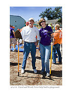 9/25/06:  David and Wendy Vitter help build a playground.